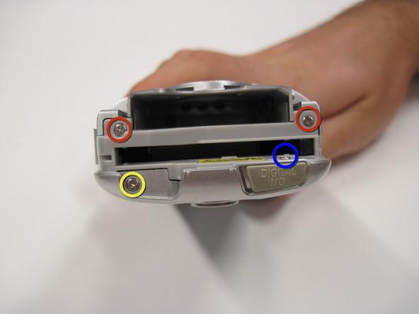 Как разобрать фотоаппарат Nikon Coolpix 3500 (3)