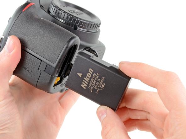 Как разобрать фотоаппарат Nikon D5100 (5)