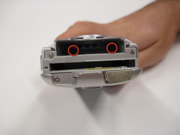 Как разобрать фотоаппарат Nikon Coolpix 3500 (4)