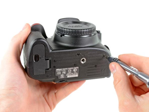Как разобрать фотоаппарат Nikon D5100 (6)