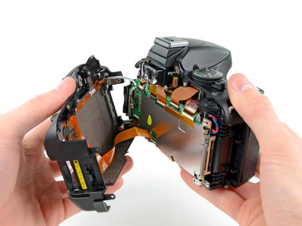 Как разобрать фотоаппарат Nikon D5100 (9)