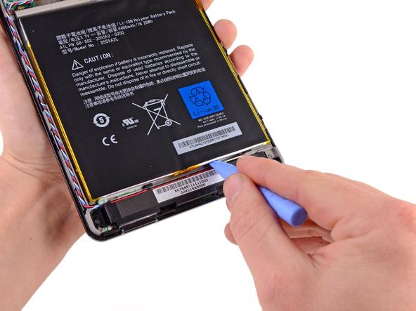 Как разобрать планшет Amazon Kindle Fire (12)