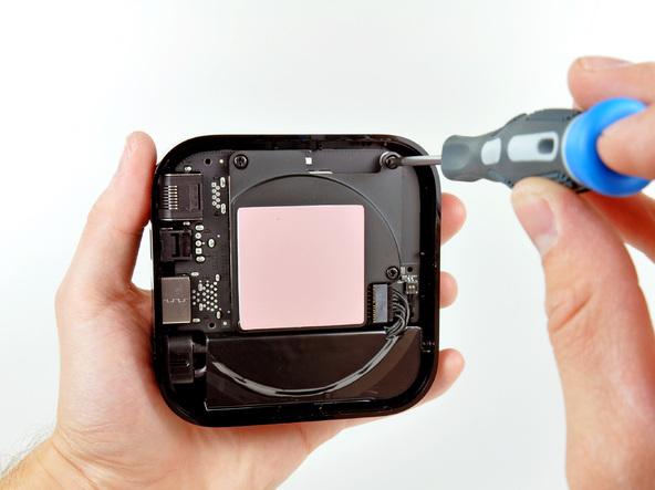 Как разобрать телевизионную приставку Apple TV 2nd Generation (12)