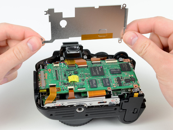 Как разобрать фотоаппарат Nikon D5100 (12)
