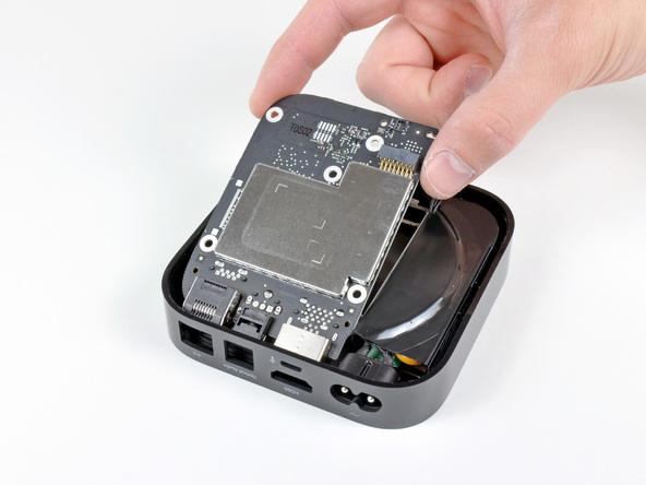 Как разобрать телевизионную приставку Apple TV 2nd Generation (17)