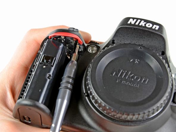 Как разобрать фотоаппарат Nikon D5100 (17)