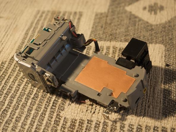 Как разобрать фотоаппарат Sony Cyber-shot DSC-H2 (24)