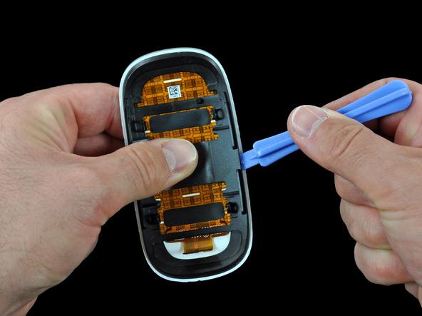 Как разобрать мышь Apple Magic Mouse (17)