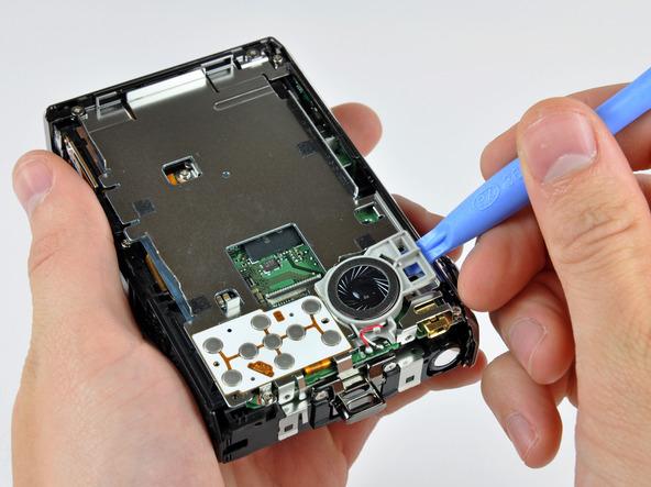 Как разобрать фотоаппарат Nikon Coolpix S1000pj (20)