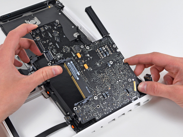 Как разобрать ноутбук Apple MacBook Unibody A1342 (19)