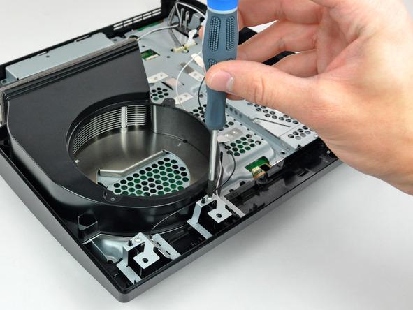 Как разобрать игровую консоль Sony PlayStation 3 Slim (40)