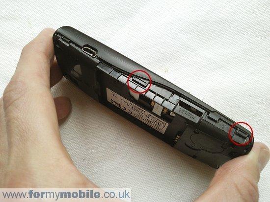 Как разобрать телефон Sony Ericsson Cedar J108 (5)