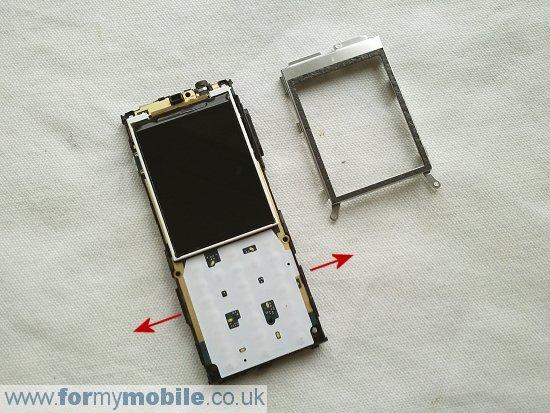 Как разобрать телефон Sony Ericsson Cedar J108 (7)
