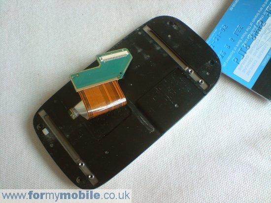 Как разобрать телефон O2 XDA Mini S (12)