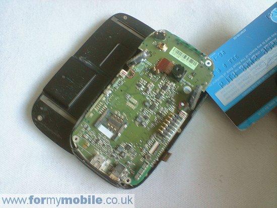 Как разобрать телефон O2 XDA Mini S (7)