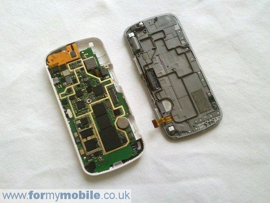 Как разобрать телефон Nokia N97 (11)