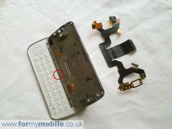 Как разобрать телефон Nokia N97 (13)