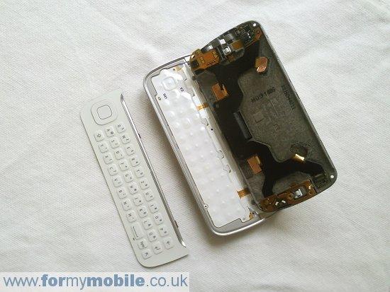 Как разобрать телефон Nokia N97 (14)