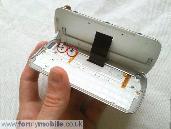 Как разобрать телефон Nokia N97 (16)