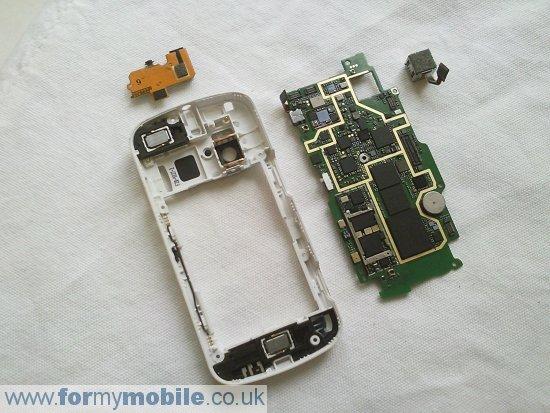 Как разобрать телефон Nokia N97 (21)