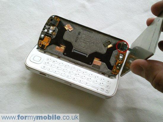 Как разобрать телефон Nokia N97 (7)