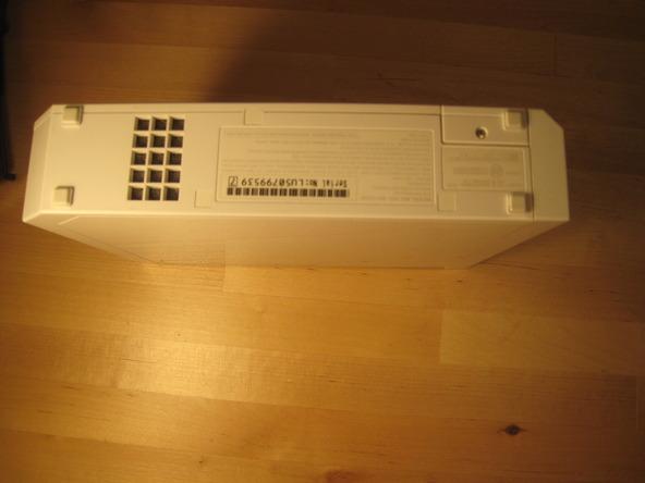 Как разобрать игровую консоль Nintendo Wii (3)