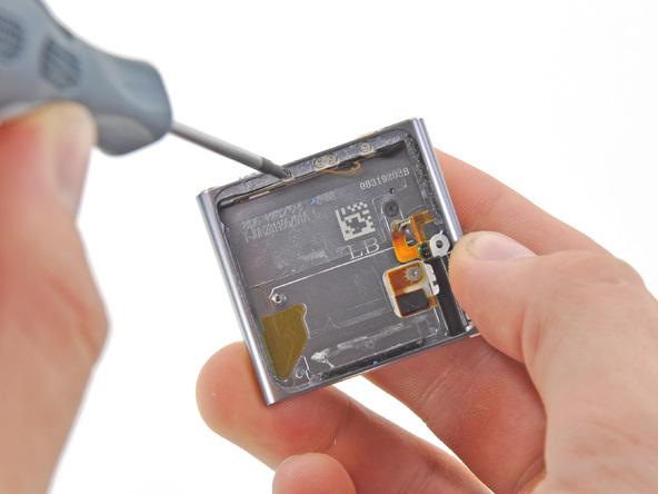 Как разобрать плеер Apple iPod Nano 6-го поколения (21)