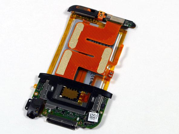 Как разобрать плеер Apple iPod Touch 2-го поколения (11)