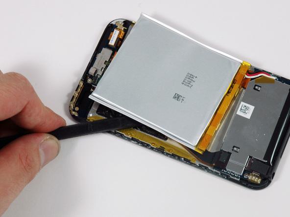 Как разобрать плеер Apple iPod Touch 1-го поколения (11)