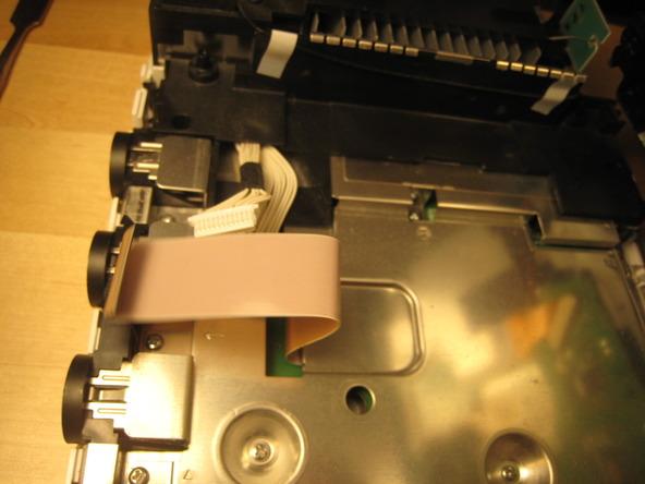 Как разобрать игровую консоль Nintendo Wii (30)