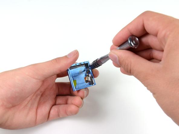 Как разобрать плеер Apple iPod Nano 6-го поколения 2011 года (20)