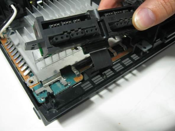 Как разобрать игровую консоль Sony PlayStation 2 (26)