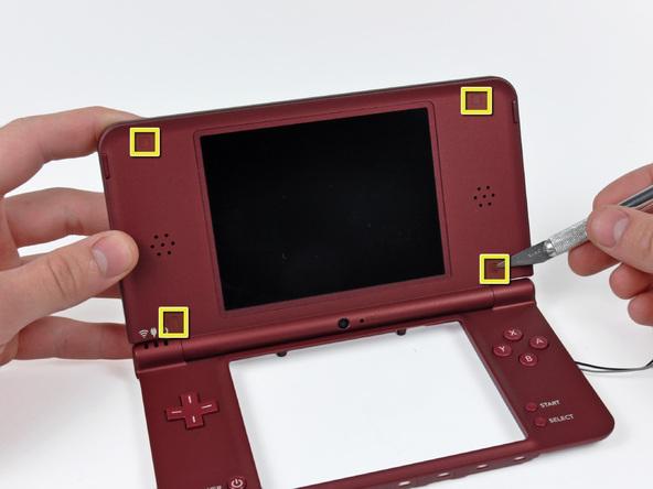 Как разобрать игровую консоль Nintendo DSi XL (21)