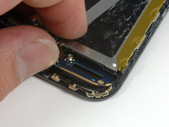 Как разобрать плеер Apple iPod Touch 1-го поколения (15)