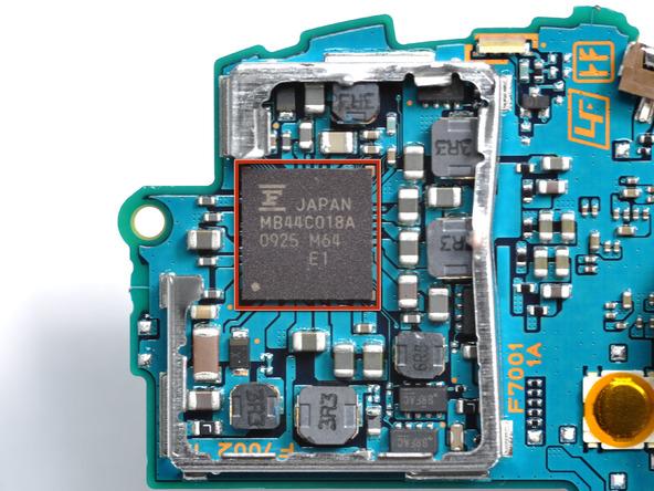 Как разобрать игровую консоль Sony PSP Go (34)