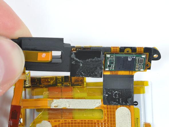 Как разобрать плеер Apple iPod Touch 3-го поколения (24)