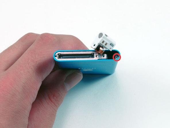 Как разобрать плеер Apple iPod Nano 2-го поколения (17)