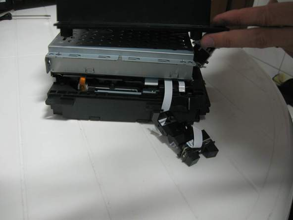 Как разобрать игровую консоль Sony PlayStation 2 (36)