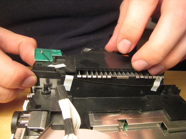 Как разобрать игровую консоль Nintendo Wii (42)