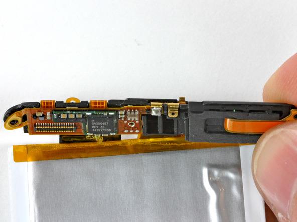 Как разобрать плеер Apple iPod Touch 3-го поколения (28)