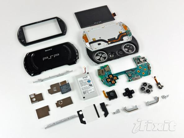 Как разобрать игровую консоль Sony PSP Go (36)