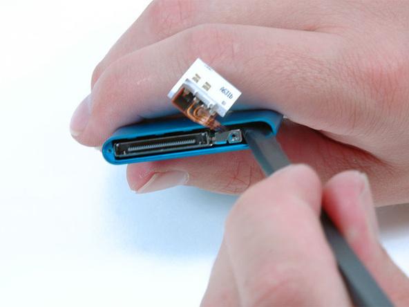 Как разобрать плеер Apple iPod Nano 2-го поколения (19)