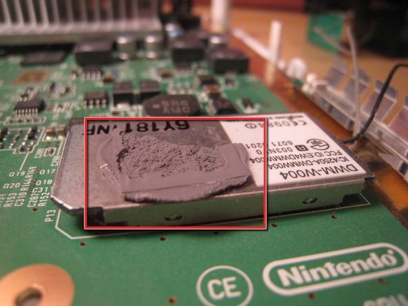 Как разобрать игровую консоль Nintendo Wii (50)