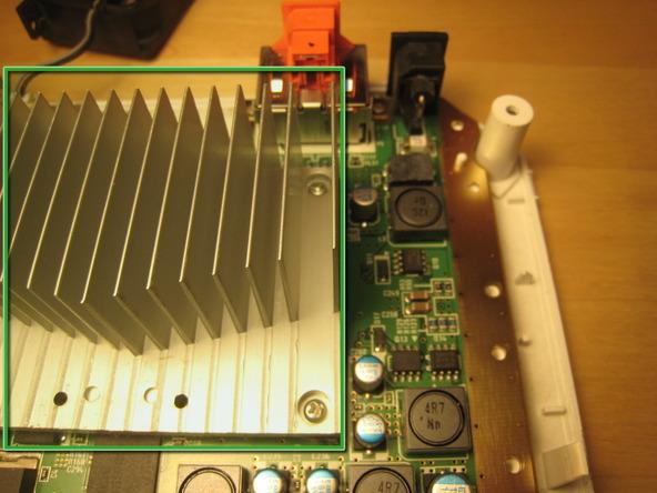 Как разобрать игровую консоль Nintendo Wii (51)