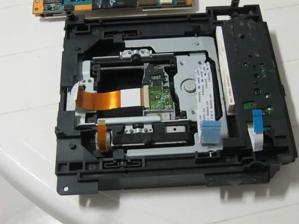 Как разобрать игровую консоль Sony PlayStation 2 (55)
