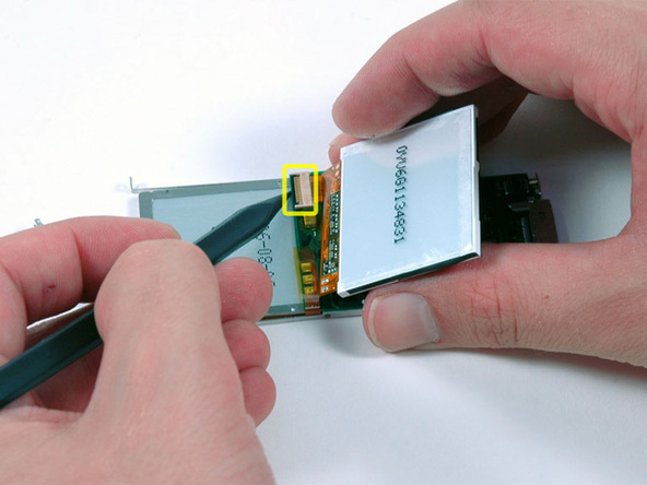 Как разобрать плеер Apple iPod Nano 2-го поколения (24)