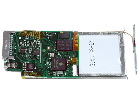Как разобрать плеер Apple iPod Nano 2-го поколения (27)