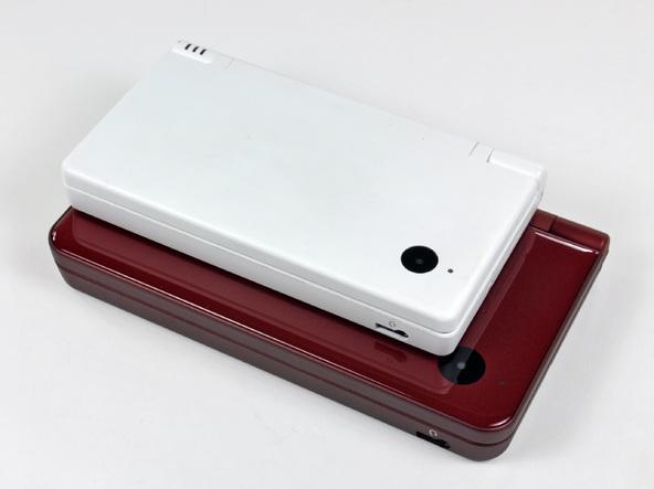 Как разобрать игровую консоль Nintendo DSi XL (3)