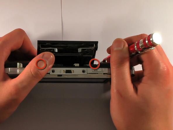 Как разобрать игровую консоль Sony PSP 1003 (11)