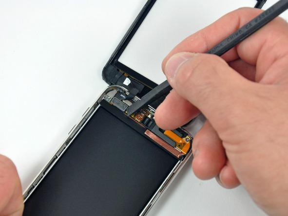 Как разобрать плеер Apple iPod Touch 3-го поколения (6)